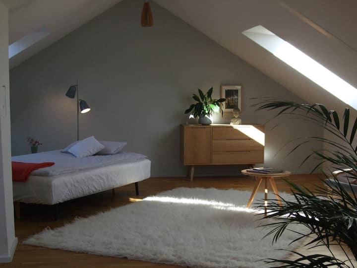 Ruhiges Privatzimmer mit eigenem Eingang