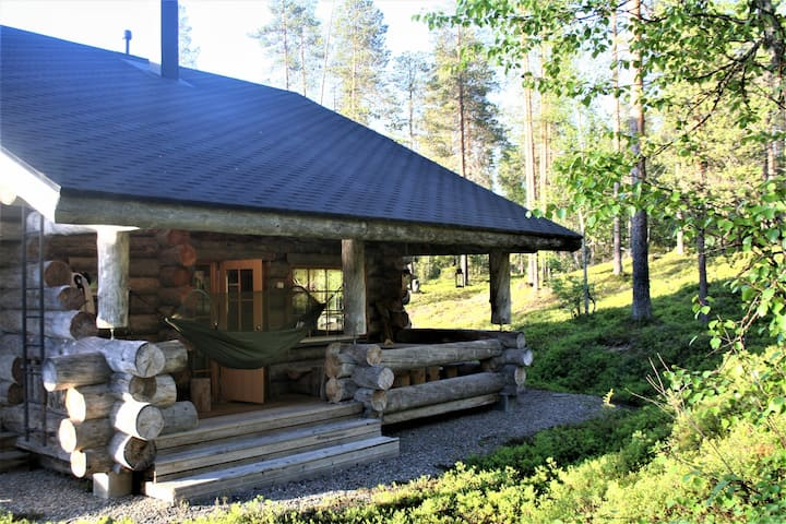 Elegant and Cosy Log Lodge Villa Aurora