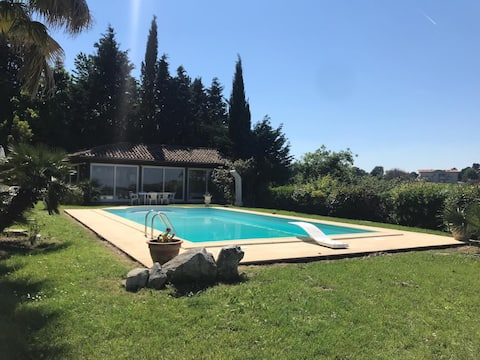 Villa con piscina e giardino tra Riccione e Misano