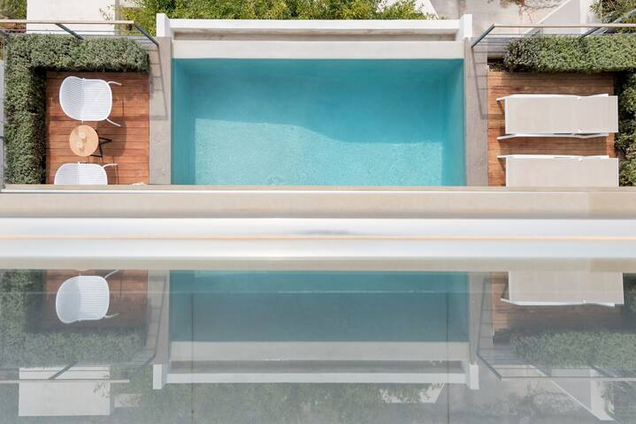 R 935 Alejandra Villa with Garden View,Mountain View & Pool view.