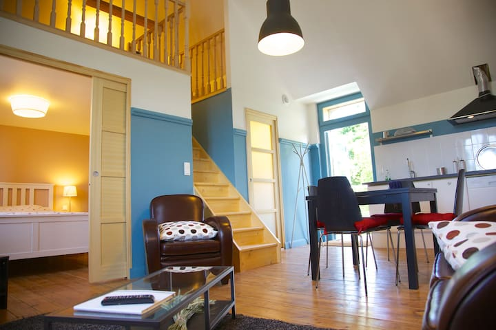 Charming, modern and colourful appartment - Le Faouët - Daire