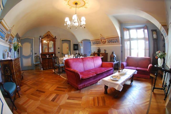 """BeB """"Ca del Conte"""" casa nobile del 600 Napoleone"""
