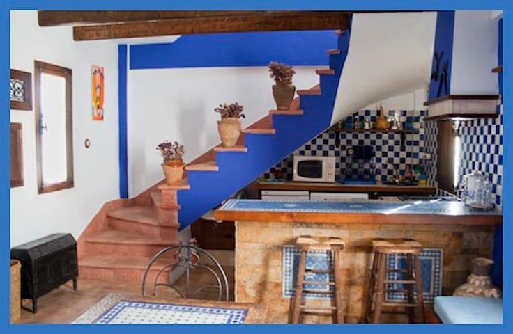 Village Casa Azul by Buddhist Center - Vélez-Málaga - Casa