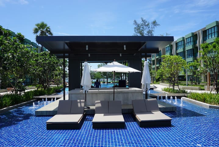 Chaam Low-rise Resort condo 10meters to the Beach