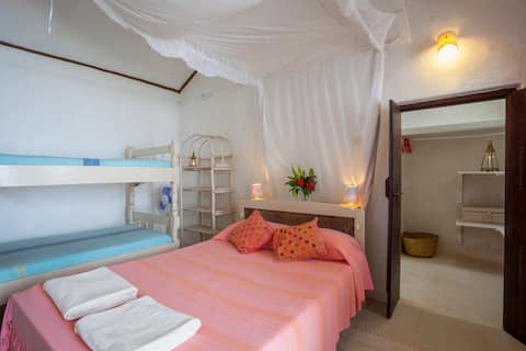 Triple room with Breakfast and private bathroom