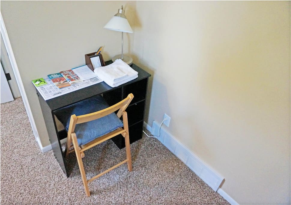 Have a seat, study, or relax! Clean Towels & linens included!