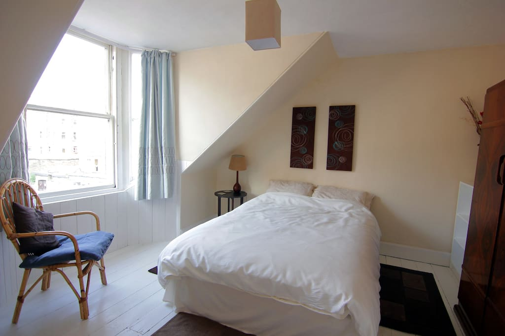 Double Room In Relaxed House Houses For Rent In