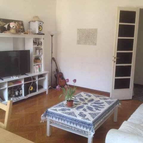 Charming room & common spaces with Balcony ! - Milano - Flat
