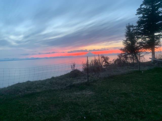 Linda Lou's Vacation Rental , Overniter