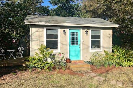 Tidy Tiny Home in Quiet West Ashley Neighborhood