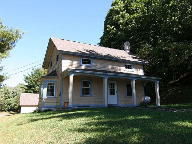 Farmhouse on 2 Acres, Catskills - Milanville - Huis