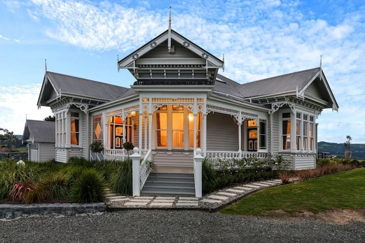 Matakana villa with sensational sea views - Tawharanui Peninsula - Hus