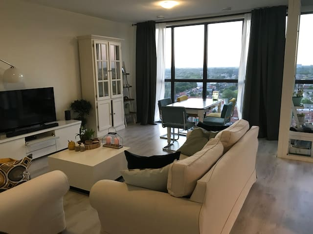 Apartment with amazing view on the 13th floor!