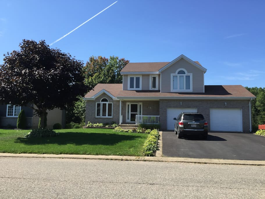 Large Executive Home in quiet subdivision overlooking Golf Course with many wonderful amenities.
