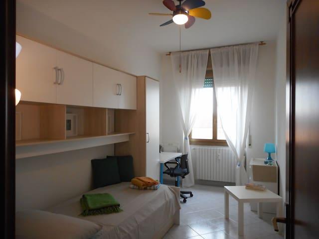 single room near lambrate