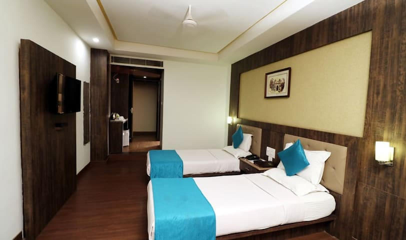 Stay At Deluxe Room at Hotel Myriad