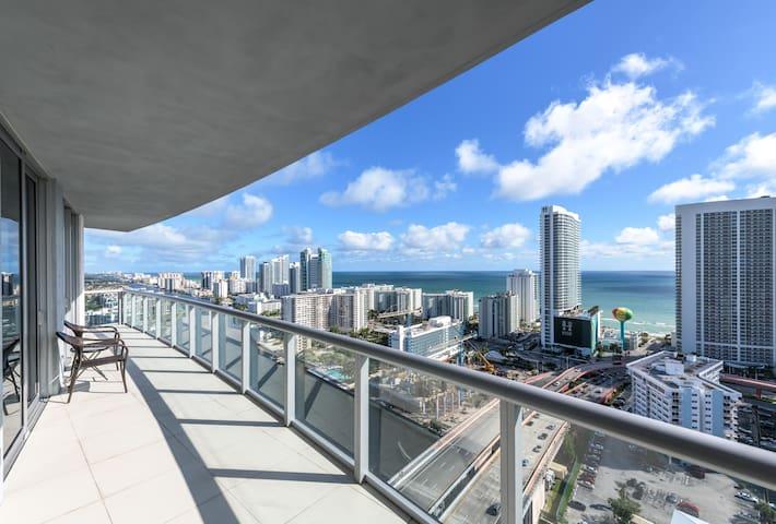 Luxury Apartment At Beachwalk Resort
