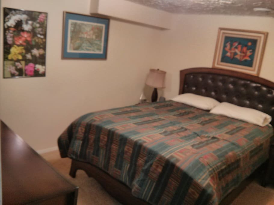 Private bedroom in walkout basement. Sleeps 1.