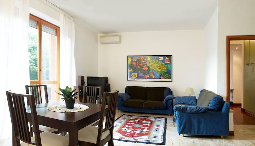 Close the center, for large groups! - Bergamo - Apartment
