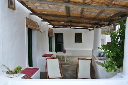 Casa del fico (ex palma) - Ginostra - Ginostra