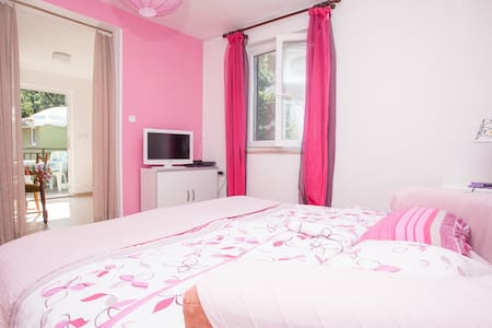 Pink apartment near Porec in Istra - Poreč - บ้าน