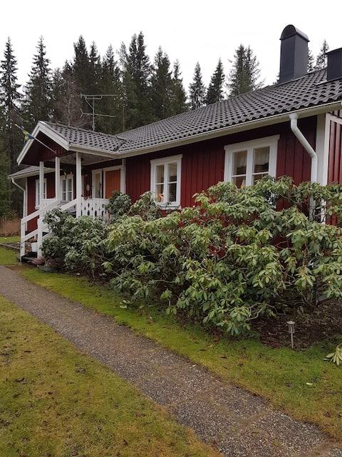 Trivsam lägenhet i Gullered      523 97 Ulricehamn