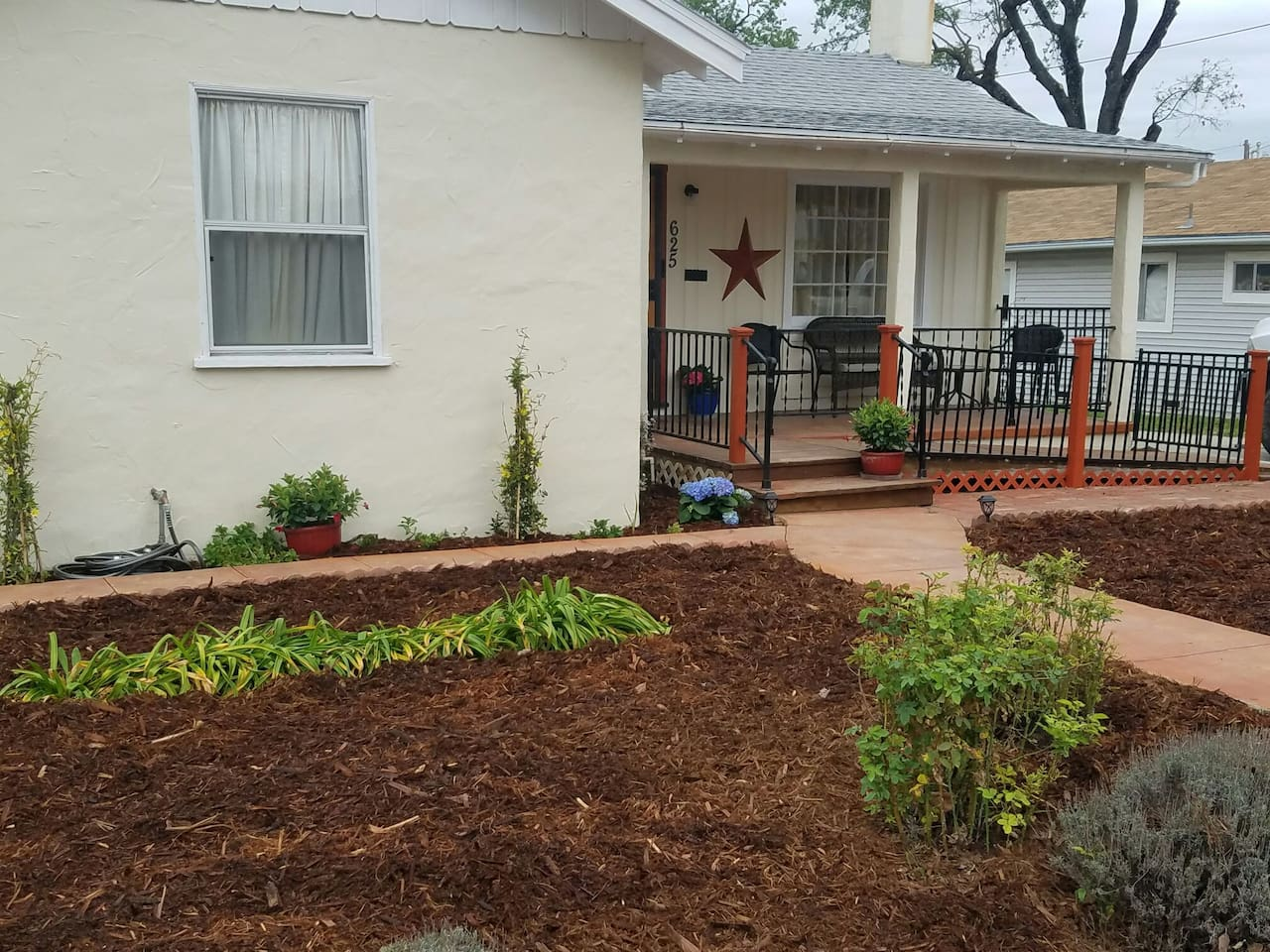 The Olive Tree House Downtown Paso Robles - Bungalows for Rent in ...