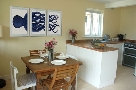 The Little Chalet by the Sea, Porthtowan - Porthtowan - Chalet - 2