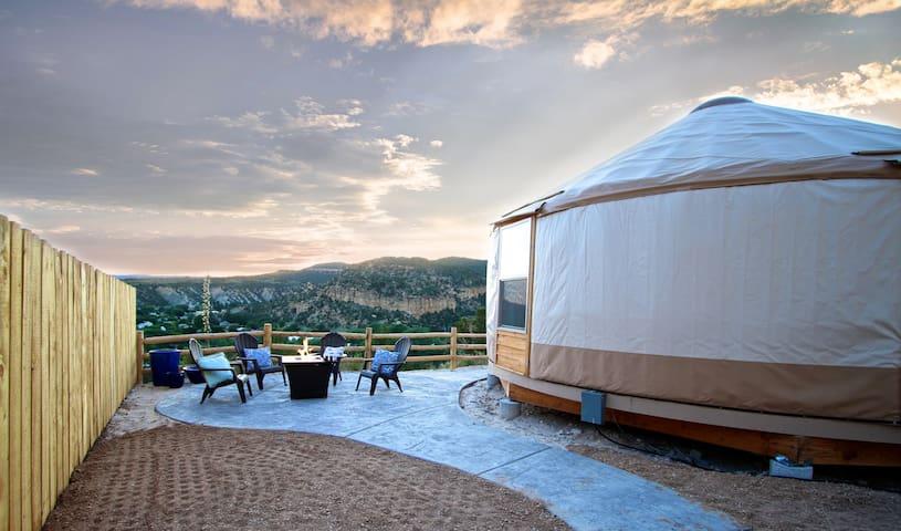 Yurt Overlook at East Zion Resort #5 (2 King Beds)