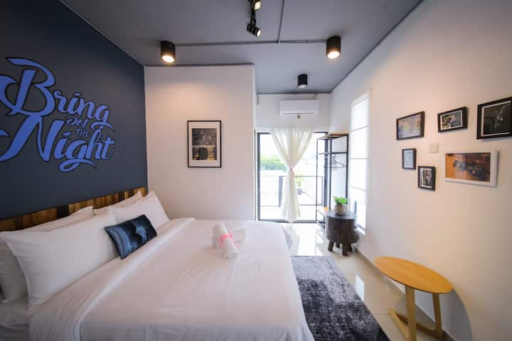 THE LOV PENANG:Cosy Room with Courtyard in Villa