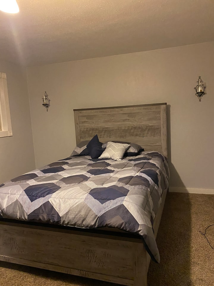 Large master bedroom-Close to everything- 1