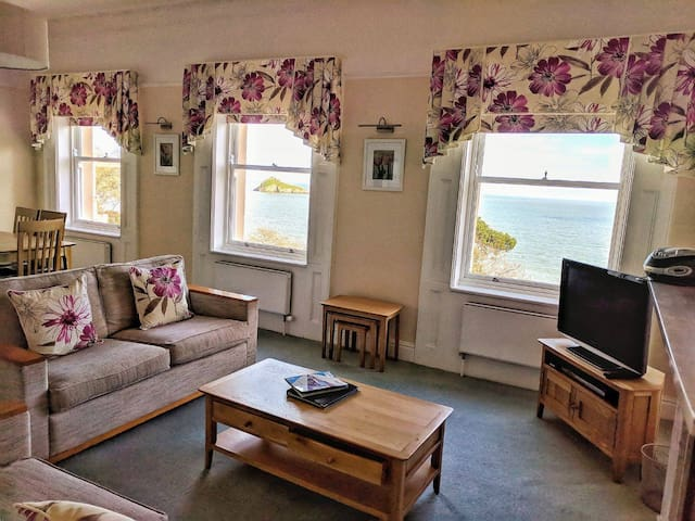 The Osborne Apartments - Apt 08 - 2 Bed Sea View