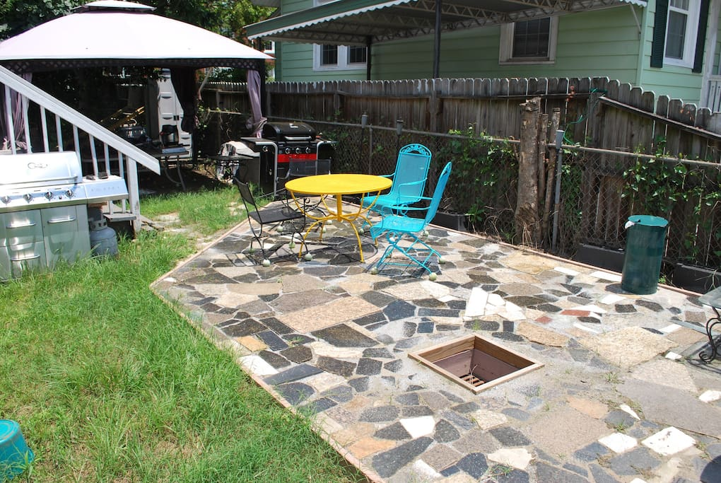 Granite Patio w/  Dual Charcoal & Gas Grills