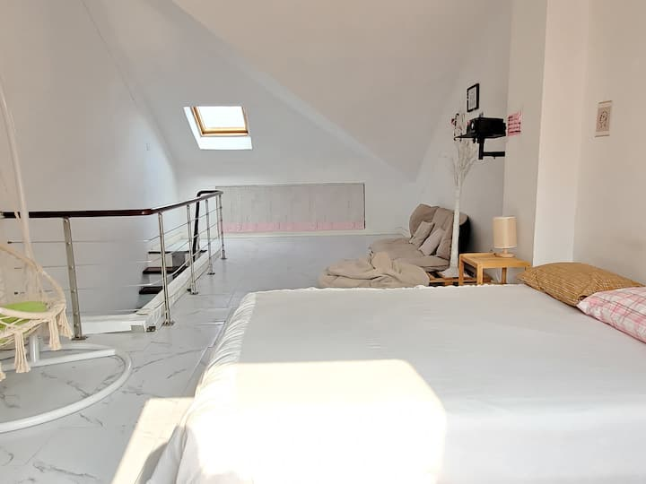 整套[富士白 粉色海洋球]loft复式2床  可做饭 投影 方特 芜湖站 梦幻王国 东方神话