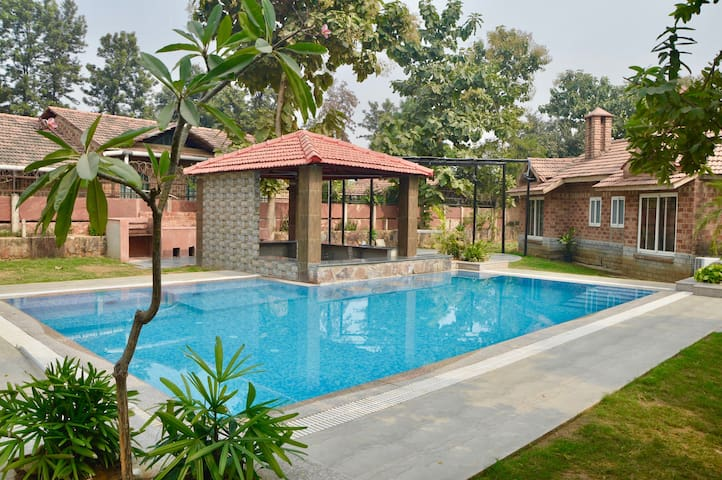 SimBliss Farm with Pool near Manesar *****