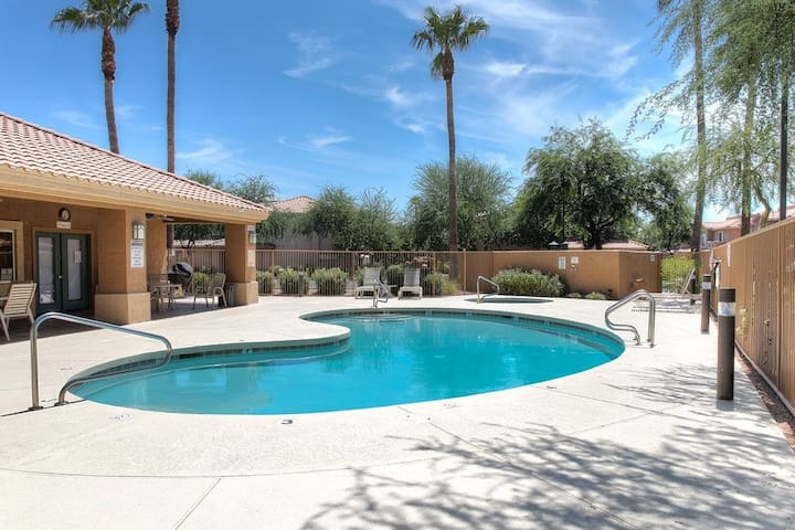 Superstition Lakes Golf Course Condo