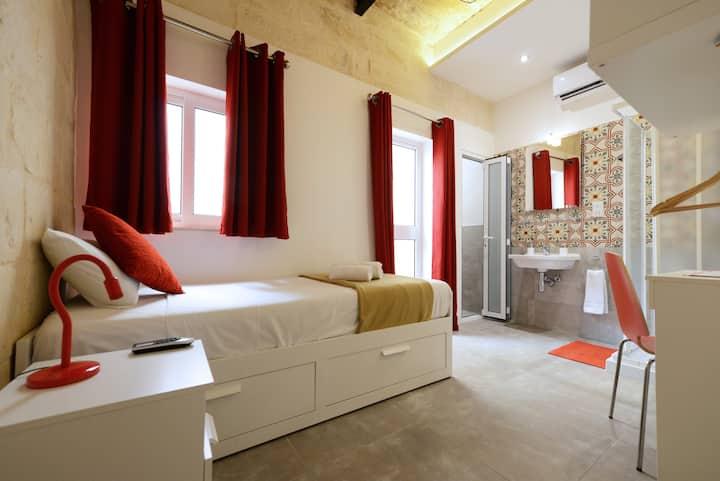 VALLETTASTAY LOVELY HOUSE - SINGLE ROOM