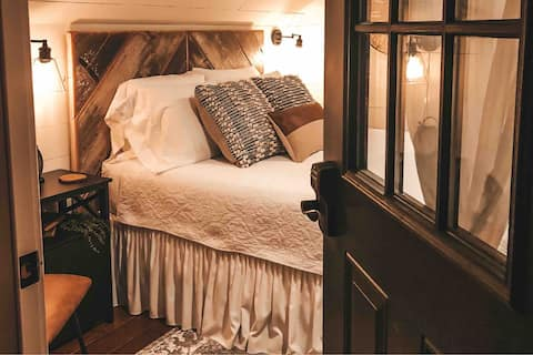 The Loft Suite - Perfect for a Romantic Getaway