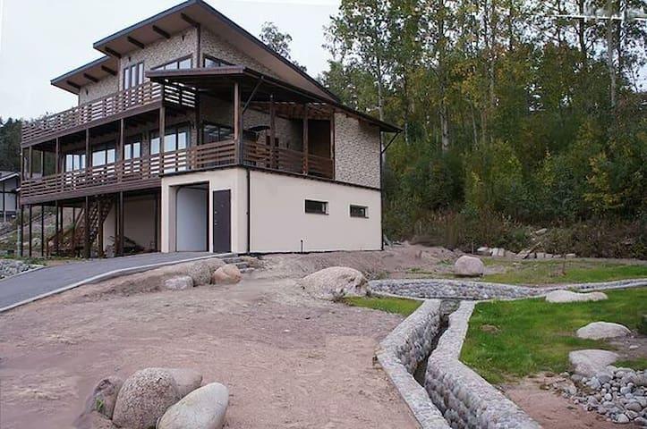 Дом 300м2 на берегу Финского залива Valhall-villa