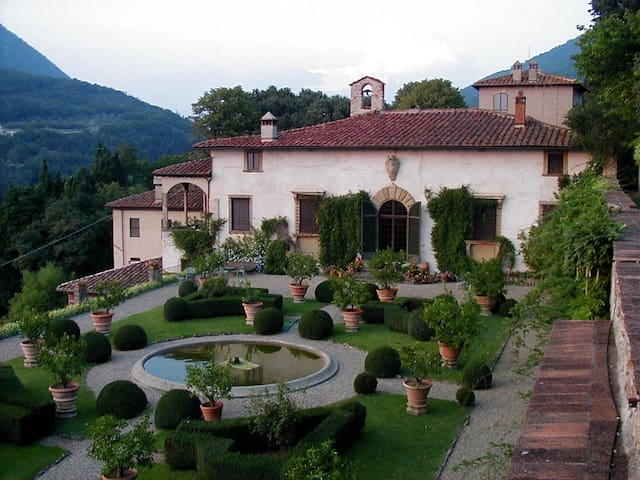 Villa Rucellai Bed and Breakfast, Prato, Tuscany