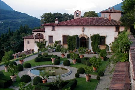 Villa Rucellai Bed and Breakfast, Prato, Tuscany - Bed & Breakfast