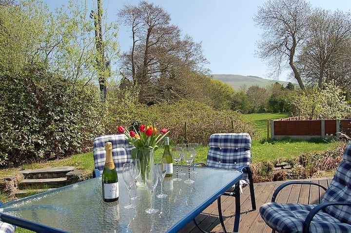 DOLITHEL FAMILY HOLIDAY HOME BRYNCRUG