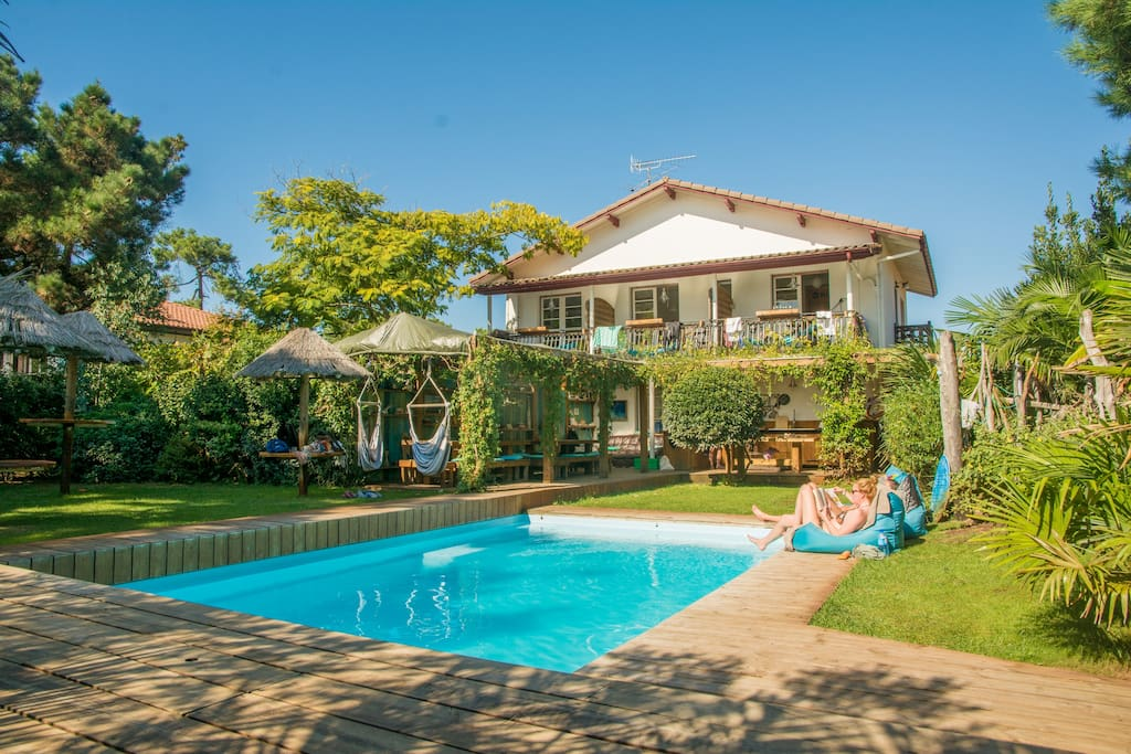 mimizan mature singles Well maintained and clean, with helpful staff, airotel club marina-landes would be a very good choice for a family holiday activities include discos, play groups for children, specially trained staff to entertain teenagers and concerts for more mature campers.