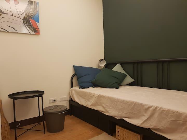 Easy Breathy Specious Room
