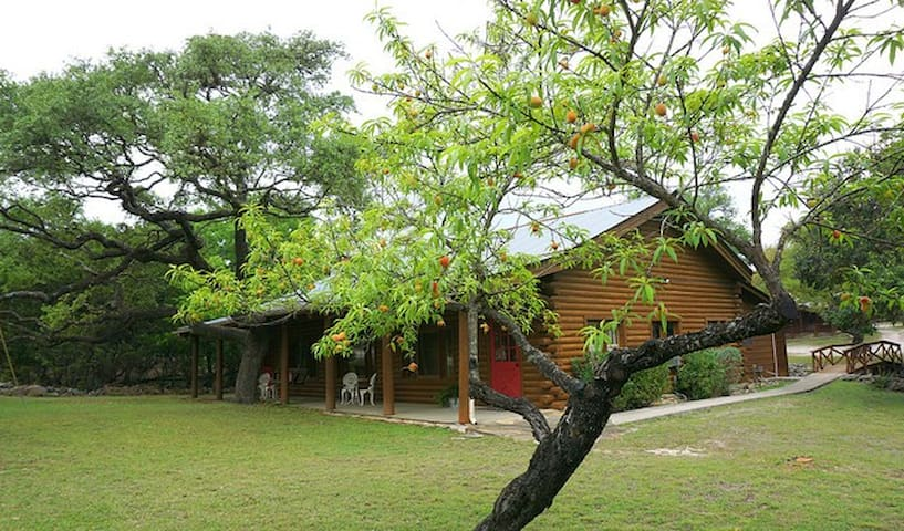 Wimberley Log Cabins Resort and Suites- Unit 3
