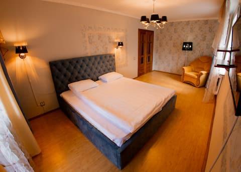 Апартаменты с большой кроватью