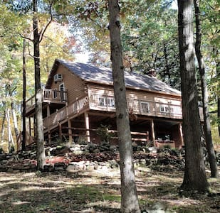 Pioneer Rock Cabin - Franklin