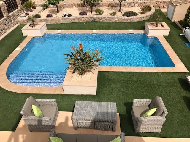 Luxury 3 Bed Villa with Private Swimming Pool