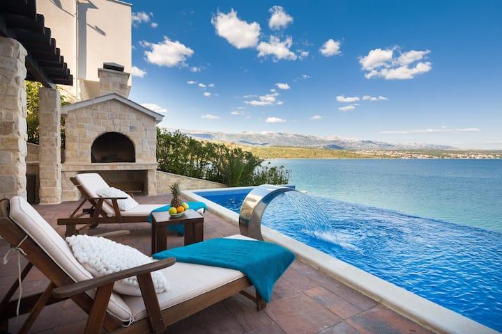 Villa CaMa - Luxus mit Meerblick