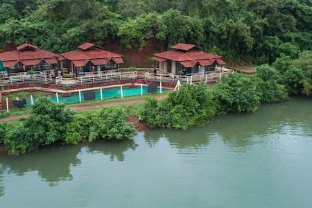 Neelkranti Backwaters Guest House
